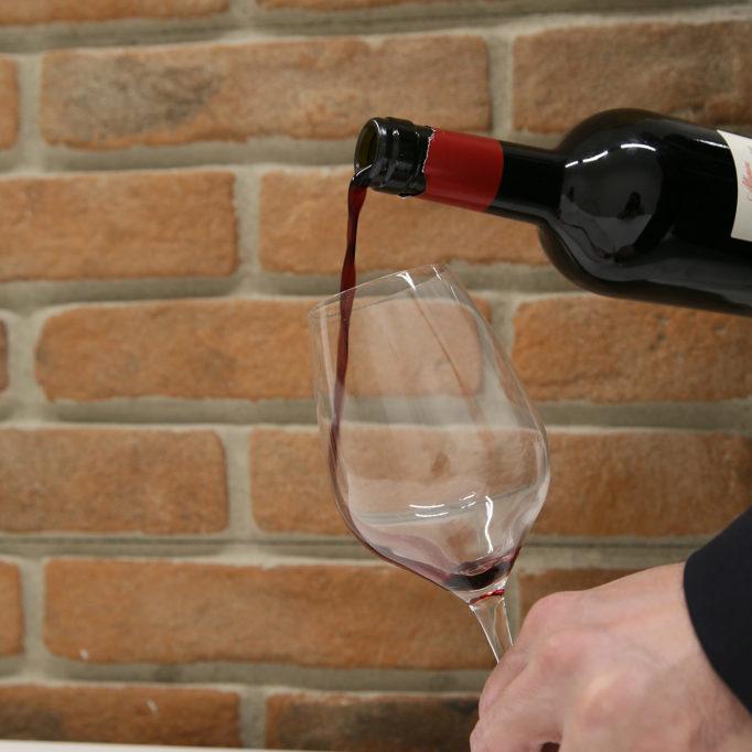 vino rosso bottiglia degustazione